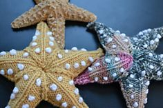 Starfish come in many sizes and colours. I have knitted my pattern using doubleknit wool, and needles, or wool and needles. I don't think there is a wrong size for a starfish. The embroidery on the starfish was a bit of an afterthought. Crochet Starfish, Crochet Fish, Crochet Toys, Starfish Art, Animal Knitting Patterns, Crochet Patterns, Crochet Motif, Knitting Projects, Crochet Projects