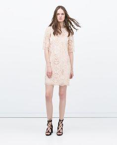 Image 1 de ROBE EN GUIPURE de Zara