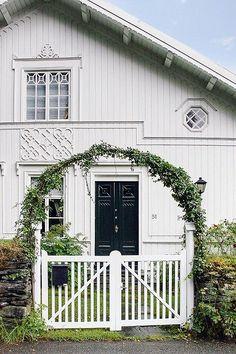 Tveiteråsvegen 51-Herskapelig villa i idylliske omgivelser