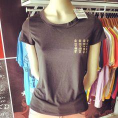T-shirt gola careca play preto @TNG moda, por R$ 63,90. Modelos super descolados pro dia-a-dia ou pra balada da night você acha na @Versátil Roupas & Acessórios! #girls #verão2014 #versatilra #tnglovers #nice #queimadeverão #instafashion #tng #photo #TagsForLikes #tngmoda #summer #lkd #hotsale #queimadeestoque