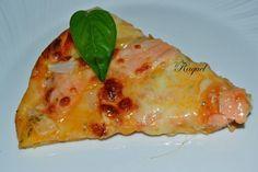 Haz esta Pizza de salmón y cebolla con salsa de ajo y perejil