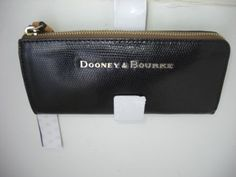 Dooney-Bourke-Claremont-Zip-Clutch-Black-Leather-Wallet-NWT