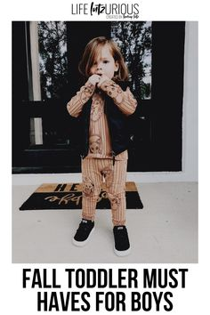 Click to see these fall toddler must haves for boys on Life Lutzurious! Cute fall toddler boy outfits pictures. Best toddler boy fall outfits pictures and toddler boy fall outfits ideas. Cute toddler boy outfits fall you'll love wearing. Stylish fall boy outfits kids fashion. Cute fall kids fashion boys. Things to do when bored at home for kids indoor activities. Super nice baby boy outfits for fall pictures. The best fall family pictures outfits with baby boy. #kids #toddler #fall Fall Family Picture Outfits, Fall Family Pictures, Fall Fashion Outfits, Fall Fashion Trends, Autumn Fashion, Toddler Boy Outfits, Toddler Boys, Kids Outfits, Cute Toddlers