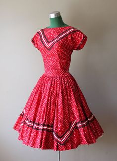 this. is. adorable! 1940s country dress