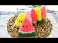 How to Crochet for Absolute Beginners - fruit watermelon Scrubby Yarn, Crochet Scrubbies, Crochet Tote, Crochet Kitchen, Crochet For Beginners, Diy And Crafts, Knitting, Couture, Amigurumi