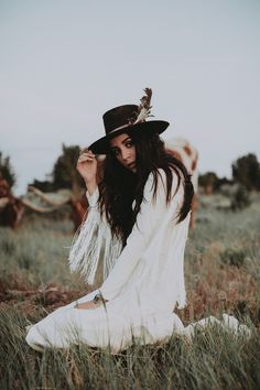 70 Chic Bohemian Outfit Looks to Steal Right Now Bohemian Lifestyle, Bohemian Style, Boho Chic, Bohemian Outfit, Boho Gypsy, Western Photography, Fashion Photography, Beach Photography, Western Chic
