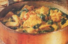Chicken and Spinach Curry - http://bestrecipesmagazine.com/chicken-and-spinach-curry/