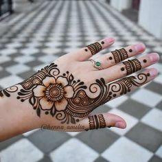 Wedding Henna Designs, Pretty Henna Designs, Modern Henna Designs, Floral Henna Designs, Latest Henna Designs, Henna Tattoo Designs Simple, Full Hand Mehndi Designs, Mehndi Designs For Beginners, Mehndi Designs For Fingers