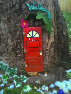fairydoors -  a cute service by 2 fairygodmothers...fairy-scapes for the YOUNG at heart!