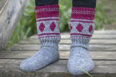 Knit Art, Anklets, Knitting Socks, Mittens, Cross Stitch, Inspiration, Home Decorations, Knit Socks, Fingerless Mitts