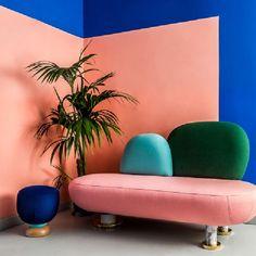 O design do escritório de arquitetura e design de interiores MasQueSpacio foi projetado pelos próprios profissionais. Confira este escritório no Portal!
