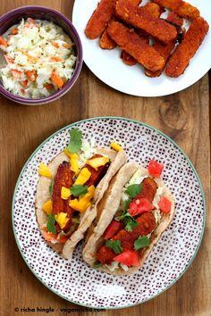 BBQ Baked Tempeh Wraps Sriracha BBQ Baked Tempeh Wraps with tahini slaw - Vegan RichaSriracha BBQ Baked Tempeh Wraps with tahini slaw - Vegan Richa Vegan Vegetarian, Vegetarian Recipes, Cooking Recipes, Vegetarian Wraps, Vegan Food, Dinner Entrees, Easy Weeknight Meals, Wrap Sandwiches, Kitchens