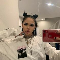 Aesthetic Hair, Bad Girl Aesthetic, Hair Inspo, Hair Inspiration, Model Tips, Alternative Makeup, Maggie Lindemann, Look Girl, Grunge Girl