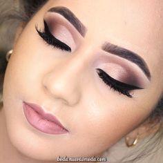 Discover These Makeup Techniques Image 3064 Entdecken Sie diese Make-up-Techniken Image 3064 Wedding Eye Makeup, Bridal Hair And Makeup, Makeup For Brides, Formal Eye Makeup, Smokey Eye Makeup, Eyeshadow Makeup, Easy Eyeshadow, Brown Eyeshadow, Eyebrow Makeup