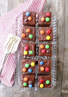 Saftig, sukkerfri sjokoladekake med dobbel glasur - LINDASTUHAUG Muffin, Gluten, Baking, Breakfast, Food, Morning Coffee, Bakken, Essen, Muffins