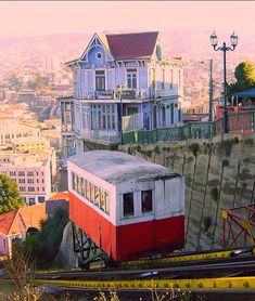 "Valparaiso, Chile - ""ascensores"" (PICTURE) - Transportation"