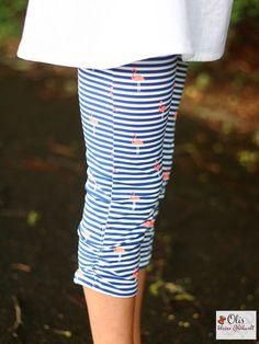 Leinen ist ja der ideale Stoff für heisse (und schwüle) Sommertage - von welchen es in den nächsten Wochen wohl noch einige geben wird. Umso mehr freue ich mich über das schöne Nähbeispiel von Olivia von @reinhard1979! Sie hat aus der weissen Leinen vom Stoff-Troll ein wunderschönes Oberteil genäht - kombiniert mit einer sommerlichen Leggins in Flamingo Stripes Design (gibts übrigens für nur 15.-/m in 5 tollen Farben!). Wunderschön genäht, tolle Kombi und steht dem hübschen Model… Troll, Skirts, Inspiration, Design, Fashion, Baby Blue, Linen Fabric, Fabrics, Colors