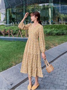 Floral Chiffon Dress, Boho Dress, Cheap Dresses, Casual Dresses, Bts Inspired Outfits, Korean Dress, Kpop Fashion Outfits, Vacation Dresses, Dress Summer