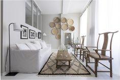 Gros crush pour le superbe aménagement plein de charme et d'astuces de ce petit appartement parisien ethnique et chic ! A peine 35 m2 pour habiter suffisent à créer un bel espace de vie cozy si tan...