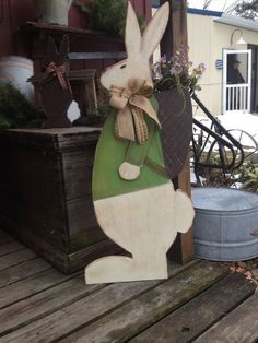 Easter crafts ideas craft easter diy outdoor decorations for 2019 Spring Crafts, Holiday Crafts, Holiday Decor, Easter Projects, Easter Crafts, Easter Ideas, Diy Easter Decorations, Outdoor Decorations, Crafts To Sell