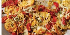 Mexican meets Italian in this delectable nacho recipe, with toasted baguette rounds taking the place of tortilla chips and topped with mozzarella, basil, cherry tomatoes and onion and garlic. Potluck Dishes, Potluck Recipes, Cooking Recipes, Fun Recipes, Twice Baked Potatoes Casserole, Potatoe Casserole Recipes, Italian Nachos, Mozzarella, My Favorite Food