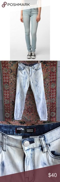 "BDG Acid Wash Jeans Cool and broken in. Cigarette High Rise cut and in excellent condition with no issues. With stretch! Tag reads 27x30. 14"" waist, 9.5"" rise and 29.25"" inseam BDG Jeans Skinny"