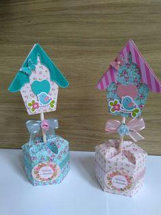 enfeites para festa jardim encantado Baby Shower Gift Bags, Diy And Crafts, Paper Crafts, Bird Party, Birthday Bag, 3 D, Birthdays, Cake Pops, Decoration