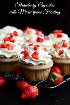 Strawberry Cupcakes with Mascarpone Frosting. Perfectly moist and soft strawberry cupcakes topped with light and creamy mascarpone frosting. Strawberry Cupcakes, Yummy Cupcakes, Cupcake Cookies, Cupcake Emoji, Icing Cupcakes, Amazing Cupcakes, Cheesecake Cupcakes, Gourmet Cupcakes, Recipes