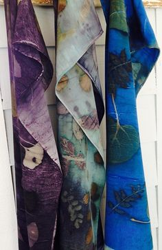 Hand dyed eco-print scarves have been elevated to a new level. Fabric Painting, Fabric Art, Natural Dye Fabric, Natural Dyeing, Textile Dyeing, Shibori Tie Dye, Textiles, How To Dye Fabric, Silk Scarves