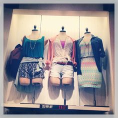 American Eagle Outfitters - Summer Display