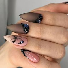 2019 Butterfly Pattern Nails For Fall We can make a butterfly manicure as a response to the costume of a butterfly pattern. Butterfly manicures can also be embellished as pure em Chic Nails, Stylish Nails, Trendy Nails, Swag Nails, Grunge Nails, Hair And Nails, My Nails, Fall Nails, 5sos Nails