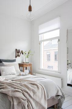 Post: Así se convierte un dormitorio terrible, en uno de elegante estilo nórdico --> antes después dormitorio, blog decoración nórdica, cambiar colores dormitorio, decoración dormitorio nórdico, decoración en blanco, diy deco, estilo nórdico escandinavo, reforma dormitorios