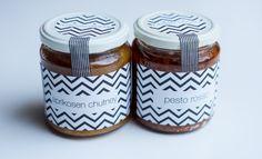Aprikosen-Chutney und Pesto Rosso