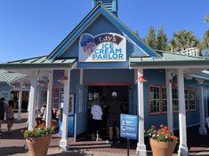 SeaWorld Orlando celebrates spring with new restaurants Hummus And Pita, Brownie Sundae, Impossible Burger, Seaworld Orlando, Veggie Pizza, Homemade Chili, Burger Bar, Mediterranean Dishes, Vegetarian Options