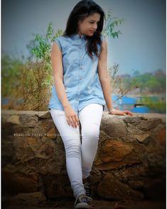 Stylish Girls Photos, Stylish Girl Pic, Cute Girl Photo, Girl Photo Poses, Beautiful Indian Actress, Beautiful Actresses, Girl Pictures, Girl Photos, Prity Girl