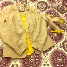 Double Cotton Blazer Dark Dune colored blazer. Medium fits size 8/10. Never worn. Sleeve length is 24in. From armpit to armpit: 16in. No trades or off-site transaction. Liz Claiborne Jackets & Coats Blazers