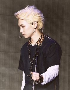 oh my ... O_O key's hair ... oh he deffnitely looks like some anime character. This is awesome!
