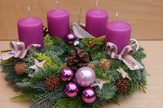 Adventskranz frisch gebunden von Monikas-Kreative-Welt auf DaWanda.com Purple Christmas, Winter Christmas, Christmas Time, Christmas Wreaths, Holiday Centerpieces, Outdoor Christmas Decorations, Table Violet, Ideas Decoracion Navidad, Table Rose
