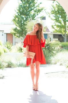 mlm off the shoulder dress | how to style an off the shoulder dress | how to wear an off the shoulder dress | summer fashion | summer style | fashion for summer | style ideas for summer | warm weather fashion | fashion tips for summer || a lonestar state of southern