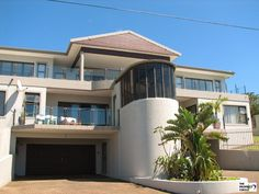 4 Bedroom Penthouse For Sale In Uvongo, Hibiscus Coast, Kwazulu Natal for R Penthouse For Sale, Blue Flag, Vacant Land, Kwazulu Natal, Ocean Views, Open Plan Living, Laminate Flooring, Living Area, Townhouse