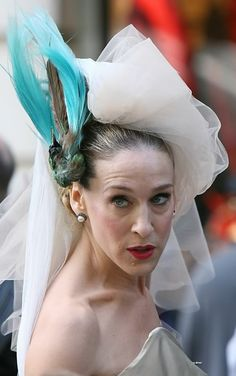 Carrie Bradshaw´s wedding hairpiece. Simply amazing