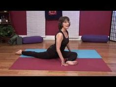 The pigeon pose is a very beneficial yoga exercise. Learn how to stretch the thighs, groins, and back with the pigeon pose in this video clip about yoga pose. Cardio Yoga, Yoga Bewegungen, Yoga Moves, Muscle Stretches, Back Exercises, Psoas Stretch, Yoga Routine For Beginners, Muscle Pain Relief, Psoas Muscle