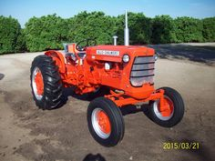 antique tractor - photo/picture definition at Photo Dictionary - antique tractor word and phrase defined by its image in jpg/jpeg in English Antique Tractors, Vintage Tractors, Photo Dictionary, Tractor Photos, Allis Chalmers Tractors, Trucks, Lawn Tractors, Antiques, Ih