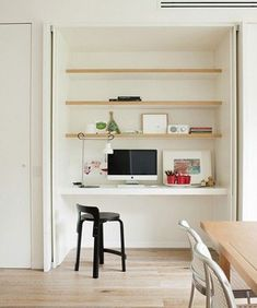 17 Trendy Home Office Nook Daybeds Computer Nook, Desk Nook, Desk Space, Computer Station, Bureau Simple, Simple Desk, Hidden Desk, Built In Desk, Hidden Storage