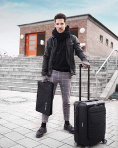 Keep your feet on the ground and keep reaching for the stars. 😀 ⭐ What are for you the best places to visit in wintertime? Our MINIMALIST is the perfect companion on all your trips ❄️ . Air Travel, Travel Bags, Men With Street Style, Reaching For The Stars, H Style, Mens Fashion, Fashion Fashion, Cool Places To Visit, The Good Place