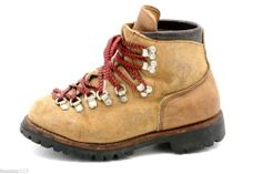Great deals from shoehag in Hunting-Hike-Mountaineer-Boots Suede Leather, Leather Shoes, Botas Ski, Vibram Boots, Shoe Boots, Ankle Boots, Mountaineering Boots, Vintage Hipster, Fashion Boots