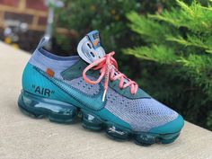 Thoughts on these Off White Vapormaxes by ⠀ ⠀ ⠀ ⠀ ⠀ ⠀ ⠀ ⠀ Sneakers Mode, Sneakers Fashion, Nike Fashion, Nike Sneakers, Sports Footwear, Hype Shoes, Victoria, Nike Air Vapormax, Custom Shoes