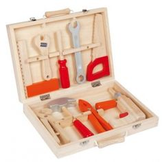 An absolute must have for all those budding builders out there! A gorgeous 9 peice wooden tool kit complete in a solid wooden case. This is a toy taht willlast and remain in the family for years! Christmas Gifts For Kids, Gifts For Boys, Toys For Boys, Kids Toys, 4 Kids, Children, Wooden Case, Wooden Toys, Toys