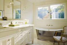 10 Bold Bathtubs That Are Soaked With Style | California Home + Design {designed by Ken Linsteadt}