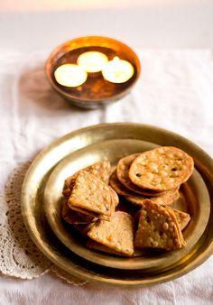 mathri recipe: crisp mathri recipe, how to make mathri recipe